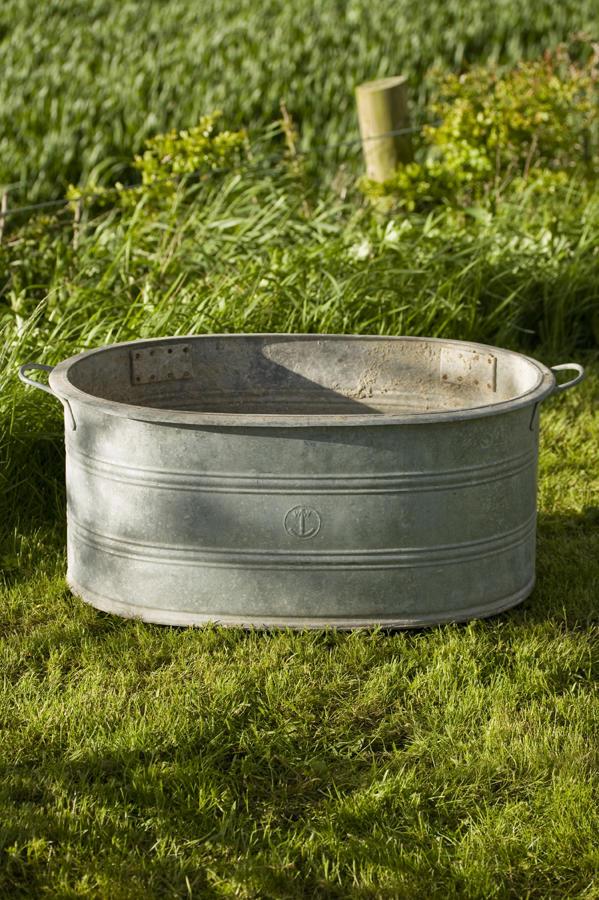Zinc oval shaped planter