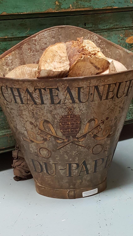 Zinc Chateauneuf du pape grape hod